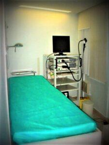 Sala de videoendoscopia seguindo as normal da ANVISA.