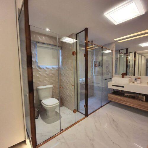 banheiro aberto em rose gold